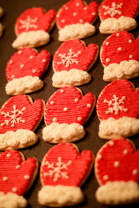 Christmas means cookies in our house! All kinds of Christmas inspired cookies can be found at our holiday table. From Santa hats to snowmen and snowflakes, these Christmas Cookie ideas will keep your kids busy all winter long! || JennyCookies.com #christmas #christmascookies #cookiedecorating