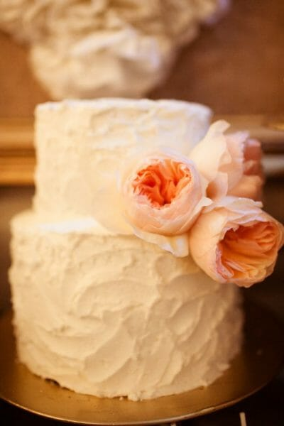 Buttercream, Burlap, & Ruffles | Wedding Dessert Table | dessert table ideas | wedding dessert ideas || JennyCookies.com #weddingdesserts #desserttables #weddings