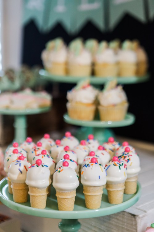 Riley Mesnick's 1st Birthday Party | Ice Cream Shop Birthday Party | first birthday ideas | first birthday girl themes | toddler birthday party ideas | ice cream themed parties | party dessert table ideas | girl birthday party ideas | kids birthday parties | diy birthday party ideas | diy dessert tables || JennyCookies.com #icecreampartyideas #kidsbirthday #desserttables | JennyCookies.com