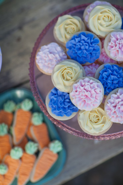 Piped Flower Cupcakes