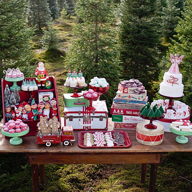 It's the North Pole Bakery! Get all the recipes and instructions to re-create this table in my book Eat More Dessert! (Link in profile) #eatmoredessert
