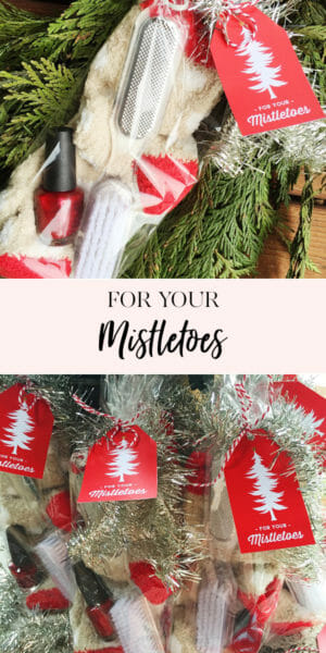 For your Mistletoes! | easy DIY holiday gift | holiday gift ideas | gift ideas for women | Christmas gift ideas for women | holiday pedicure gift set || JennyCookies.com #giftsforher #holidaygifts #christmasgifts #diygifts #jennycookies