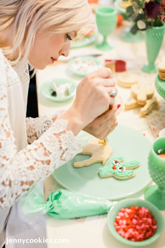 How to Host a Cookie Decorating Ladies Lunch | cookie decorating party | fun party ideas for women | ladies lunch ideas | hosting a ladies lunch | Galentine's Day party ideas || JennyCookies.com #ladieslunch #cookieparty #galentinesday