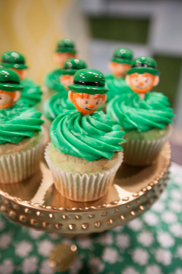 St. Patrick's Day Ideas for Kids | fun St. Patrick's Day ideas | St. Patrick's Day crafts | diy St. Patrick's Day | St. Patrick's Day desserts || JennyCookies.com #stpatricksdayideas #stpatricksday #diystpatricks
