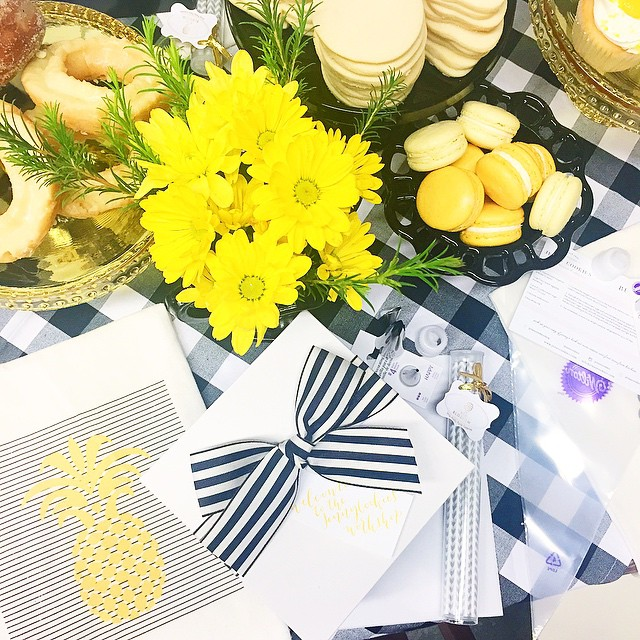 Thank you to the amazing group of gals who joined me for the first #jennycookiesworkshop last night. It was so much fun to meet each and every one of you! Our sponsors were so incredibly generous, I can't wait to share each product and brand involved after next week's class. Here's a peek at one of last nights tables! @sovintagechic @ladyyum @frostdesserts @wiltoncakes @viablossomshop @kbykweddings @nashvillewraps