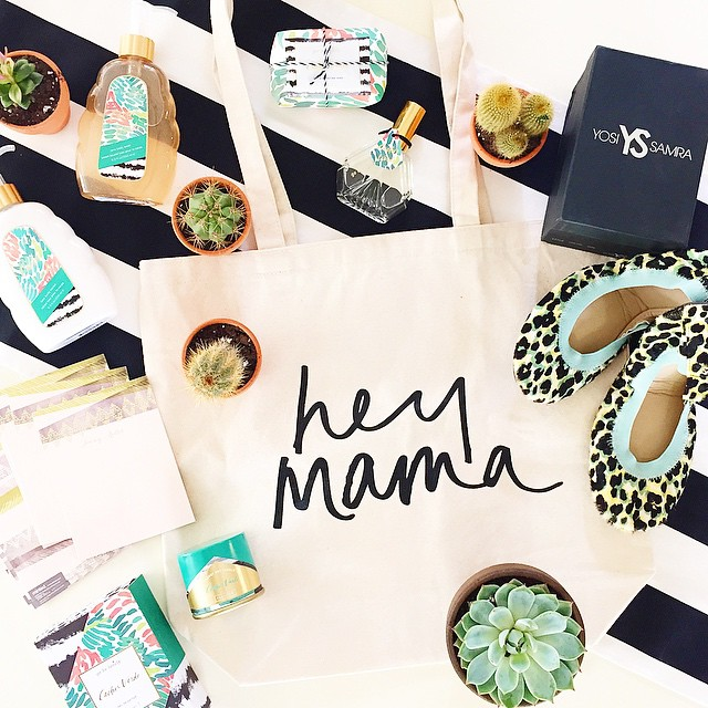 Remember these cute @hellototes bags from last week's ladies lunch?! Head to the blog to find out how YOU can win one plus everything inside!! (Link in profile) @illumecandles @yosisamra @minted  P.S. One of the ways is reposting this image and tagging @jennycookies!