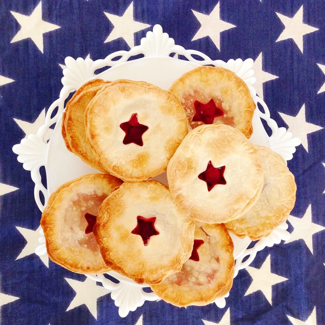 Need a cute treat for the weekend? Make these super simple mini pies with store bought pilsbury pie crusts, round & mini star cookie cutters, cherry pie filling and bake in cupcake pans! They're not perfect but they taste good!