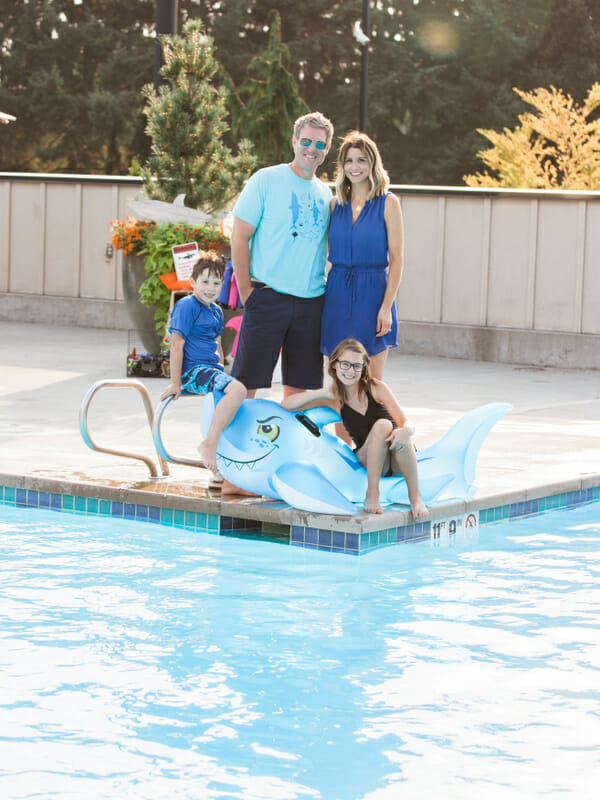 How to Throw a Shark Themed Pool Party | kids party ideas | pool party ideas | summer party ideas | shark themed party ideas | outdoor party ideas || JennyCookies.com #party #entertaining #poolparty #sharkparty #summerparty #kidsbirthday #kidsparty #jennycookies