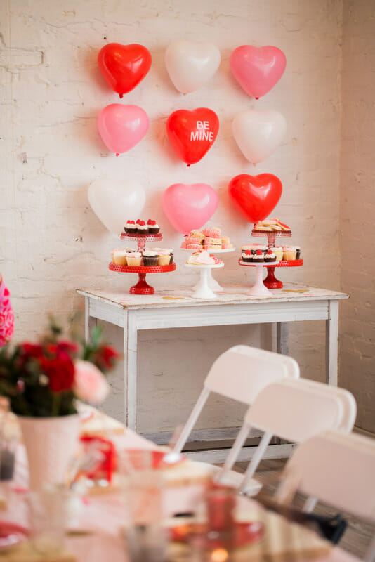 Valentine's Day Ladies Lunch | Galentine's Day party ideas | ladies lunch ideas | how to host a ladies lunch | easy Valentine ladies lunch ideas || JennyCookies.com #ladieslunch #galentinesday #valentinesdayparty