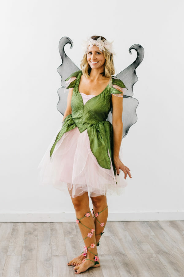 Easy Halloween Costume Ideas | adult halloween costume ideas | DIY halloween costume ideas | homemade halloween costume ideas | halloween costume ideas for adults || JennyCookies.com