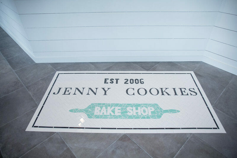 Jenny Cookies Bake Shop Renovation | renovating a store front | how to renovate a bake shop | bake shop renovation ideas | renovating a bake shop | tips for renovating a store || JennyCookies.com