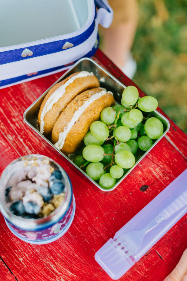 Head Back to School in Style with Pottery Barn Kids | back to school tips | back to school style for kids | kid friendly back to school tips | heading back to school | back to school snacks | lunch box recipes | healthy lunch box meals | what to pack for a school lunch | first day of school photo ideas || JennyCookies.com