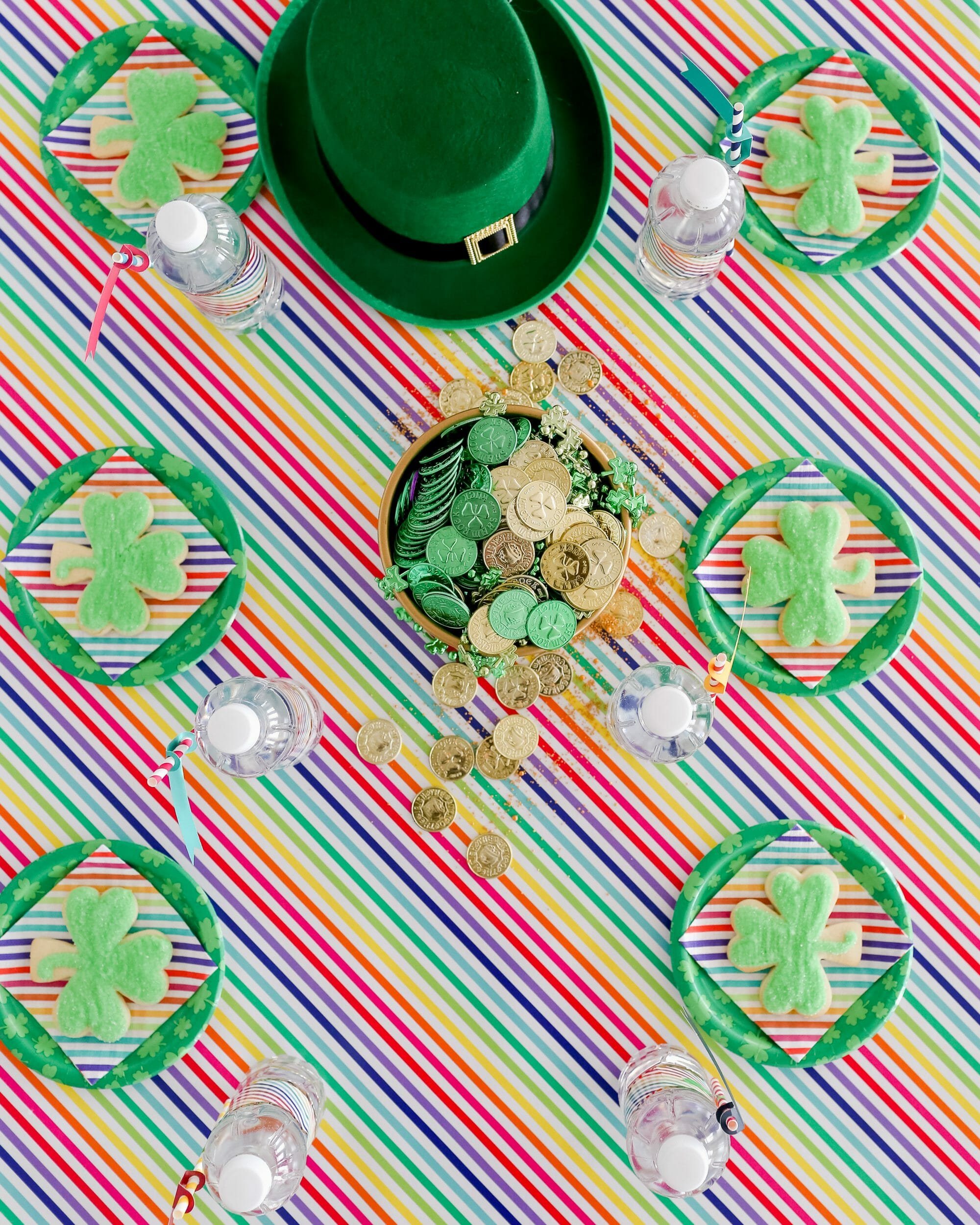 Easy St Patrick's Day Ideas for Kids | st. Patrick's day crafts | st. Patrick's day fun | fun ideas for st. Patrick's day || JennyCookies.com #stpatricksdayfun #kidscrafts #stpaddysday #jennycookies