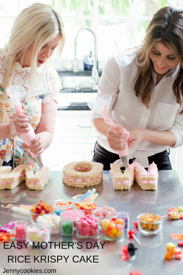 Mother's Day Rice Krispy Cake with Tori Spelling | Mother's Day dessert recipes | Mother's Day ideas for kids | kid friendly Mother's Day desserts || JennyCookies.com #recipes #ricekrispy #cakerecipes #mothersday